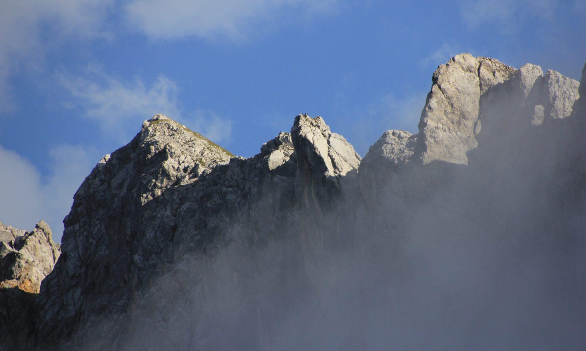 Club Mountains